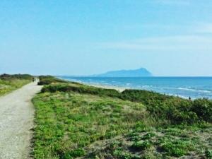 Il Circeo visto dalla spiaggia di Latina