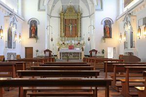 tratto da google immagini  talamello interno chiesa santissimo crocifisso