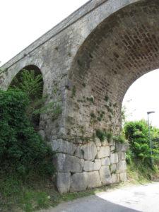 ponte sereno (ferntino) con basamento megalitico