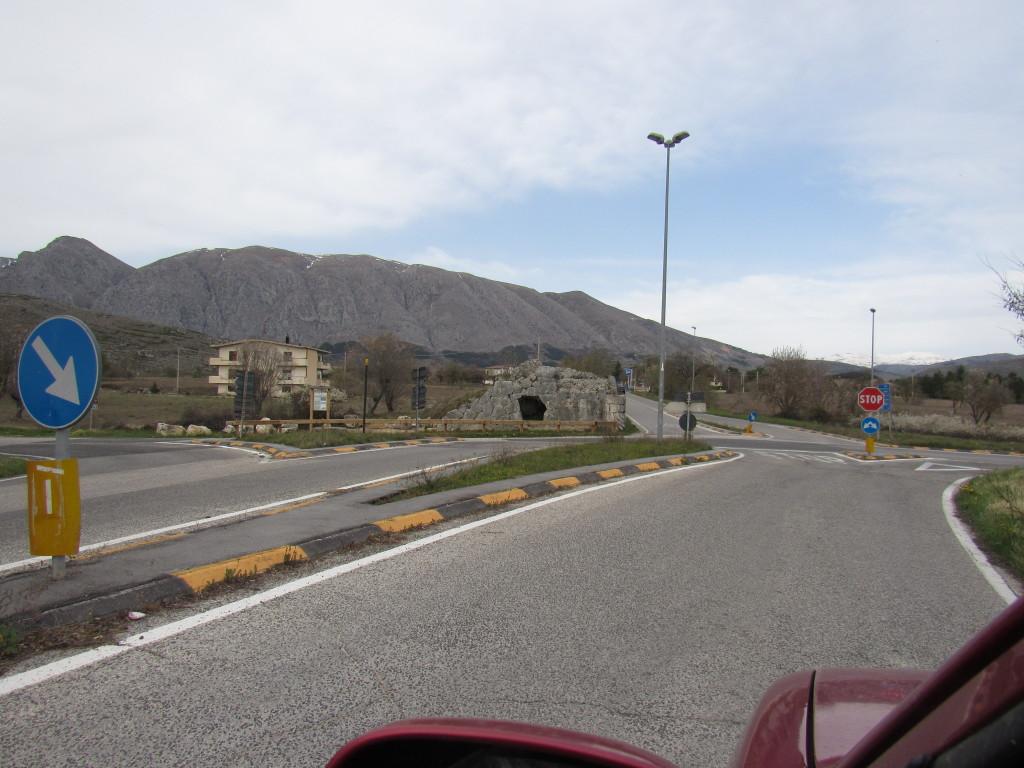 Alba Fucens -acquedotto di Arci- P.Ruggeri www.megalithic.it